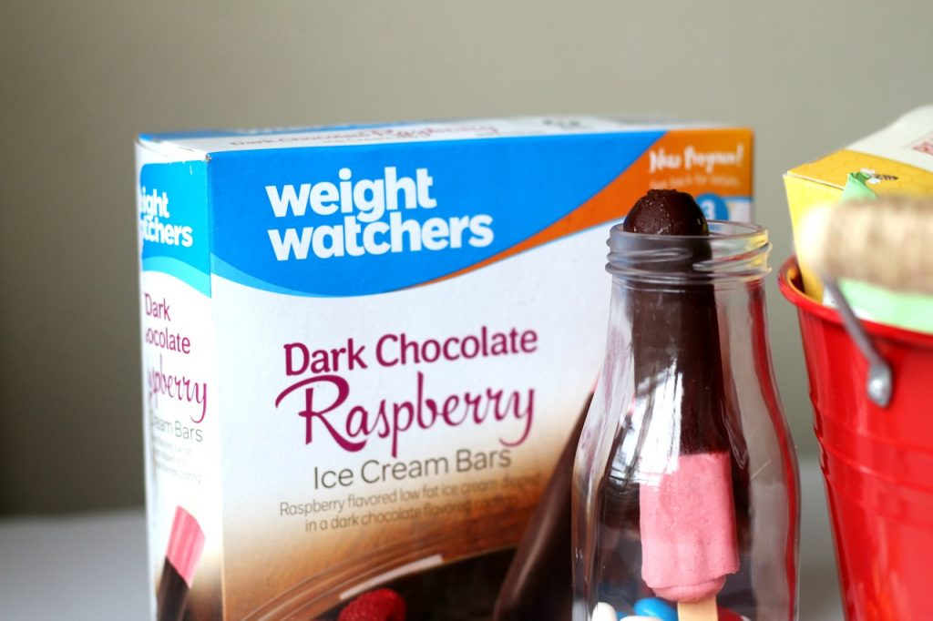 weight-watchers-dark-chocolate-raspberry-ice-cream-bars-veepeejay