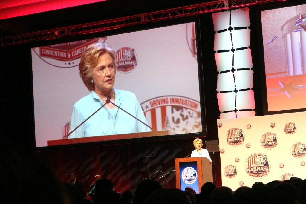 hillary-clinton-at-nabj-convention-veepeejay